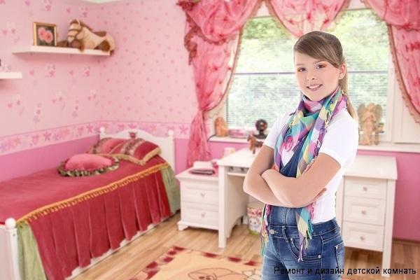 с оригинальным оформлением штор и декоративными подушками