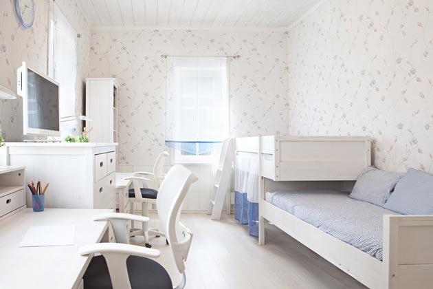 Расположение кроватей и письменных столов
