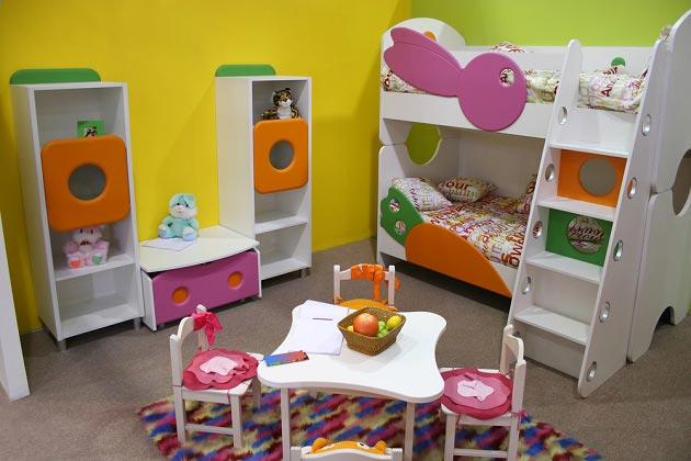 Дизайн мебели для двух маленьких девочек в сказочном стиле