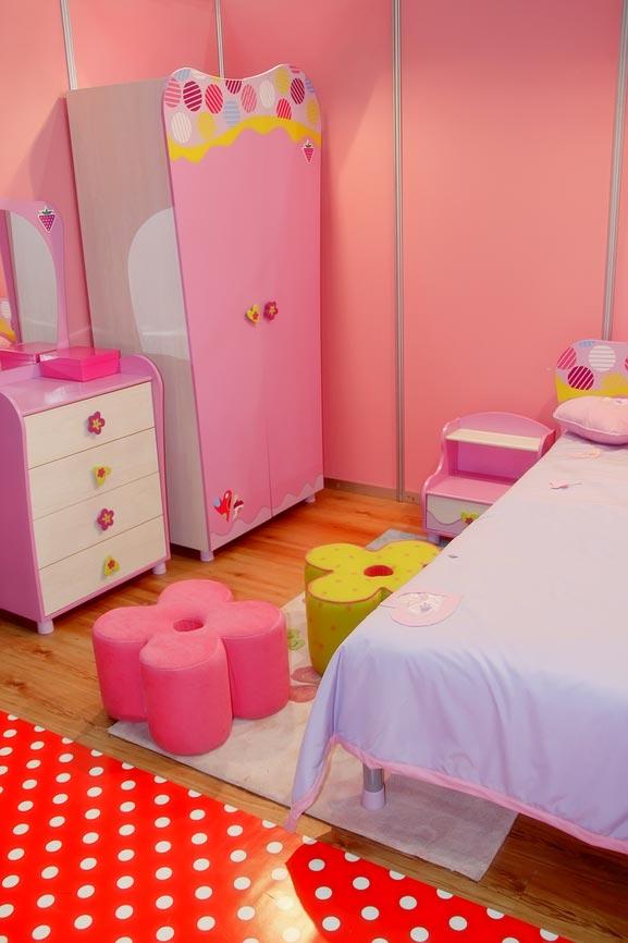 Интересный дизайн мебели для маленькой девочки