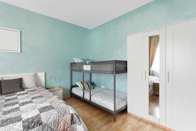 Двухэтажная кровать и отдельное спальное место