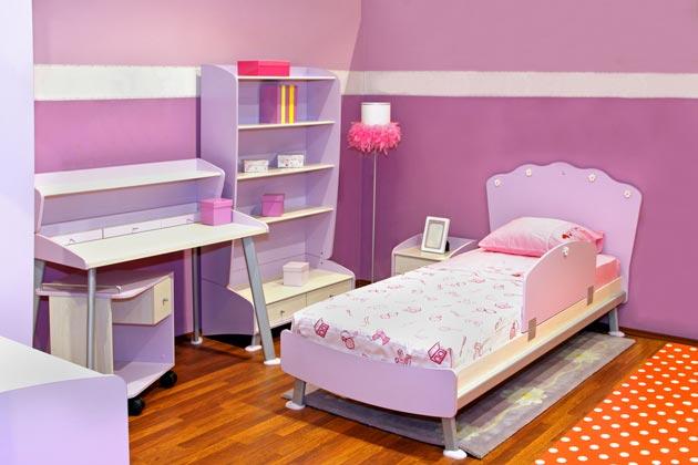 Использование оттенков сиреневого на стенах и мебели