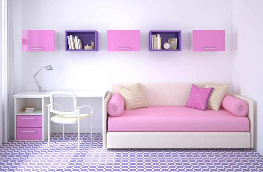 С диваном-кроватью и письменным столом