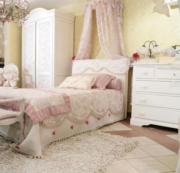 Комната в белом цвете в стиле прованс для девочки подростка
