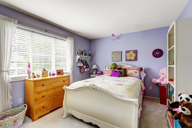 Оформление стен детской в фиолетовом цвете