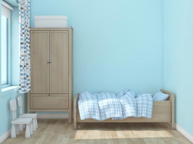 Голубой цвет стен в детской комнате