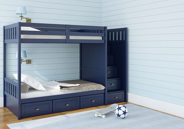 Стены в светло-голубом и синяя кровать для детей
