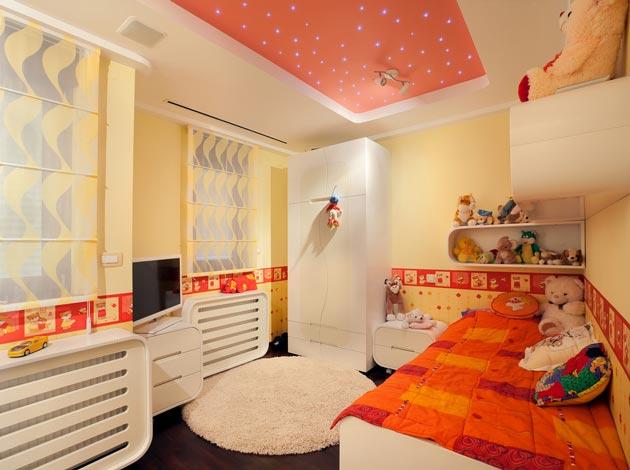 Натяжной потолок с эффектом неба в комнате девочки