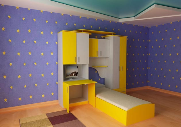 Натяжное потолочное покрытие в детской для мальчика