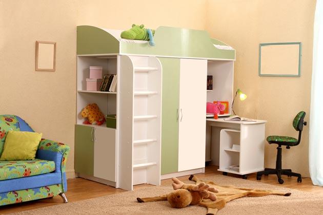 Мебельный комплекс с кроватью, столом, шкафчиками