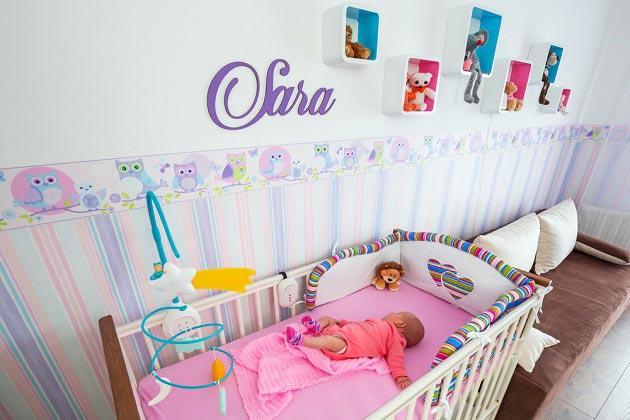 Имя на стене как украшение детской для новорожденного