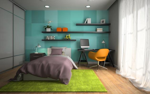 Оформление стены у рабочей зоны различными оттенками зеленого