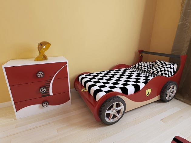 Комод и кровать на автомобильную тематику