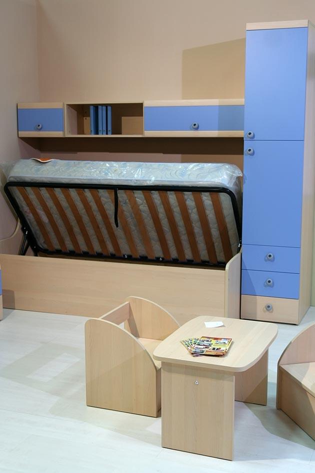 Функциональная кровать с нишей для хранения вещей