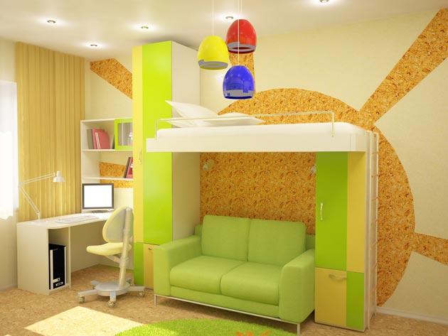 Яркая детская кровать и украшение стен рисунками