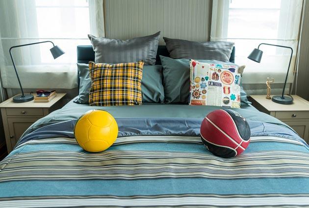 Декор кровати