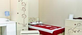 Комплект мебели с декором в детскую для девочки