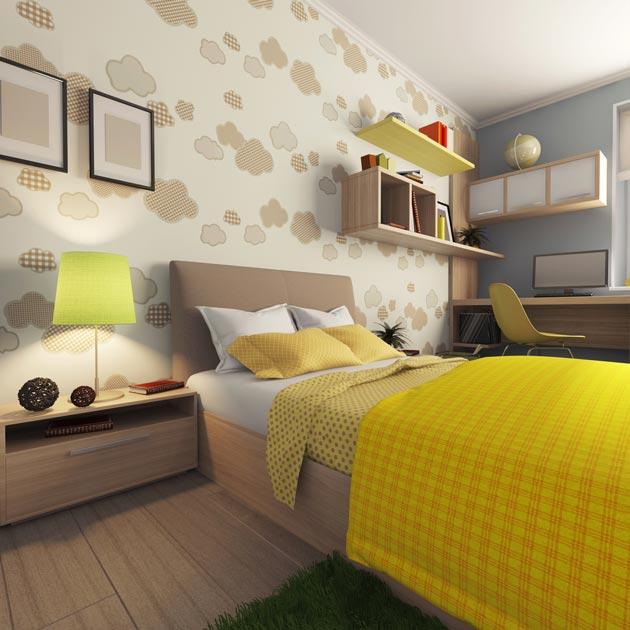 Наличие закрытых и открытых полок, вместительной тумбы у кровати