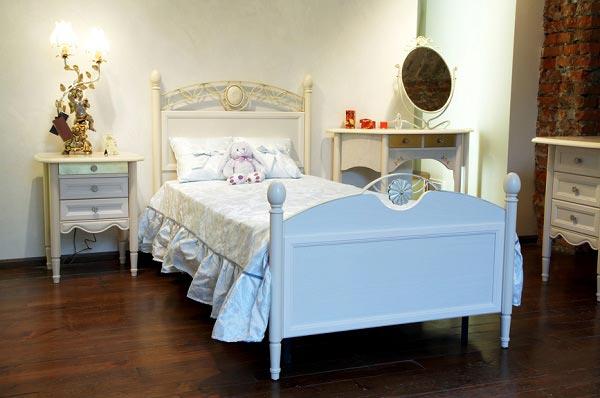 Кровать для юной девушки 13 лет