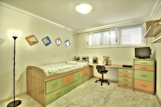 Минимализм в комнате для ребенка подросткового возраста