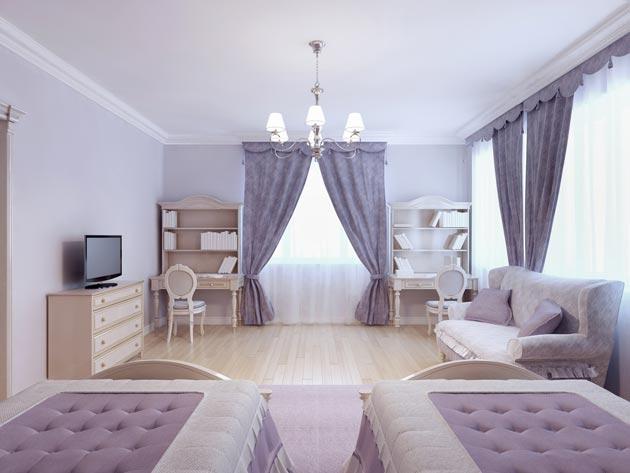 С раздельными кроватями, письменными столами и общим диваном для отдыха