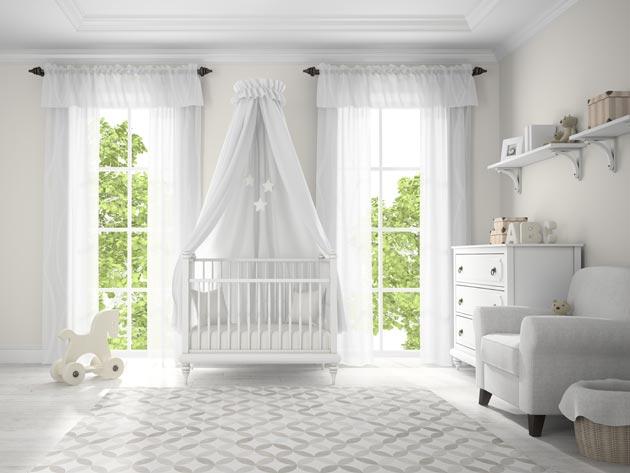 С мебелью и текстилем в белом цвете