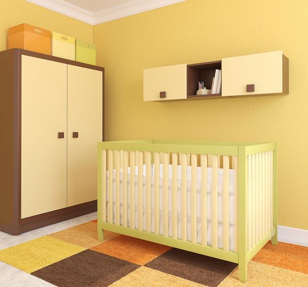 Бежевый и желтый цвета на мебели и стенах с вкраплениями коричневого