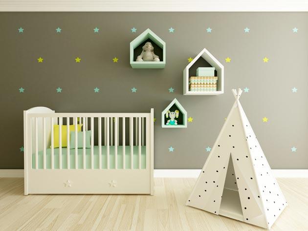Кроватка и шалаш в интерьере детской