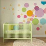 Декор стен в комнате для новрожденного