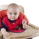 Деревянный детский стульчик для кормления