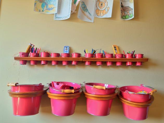 Ведерки для хранения карандашей, кистей и красок