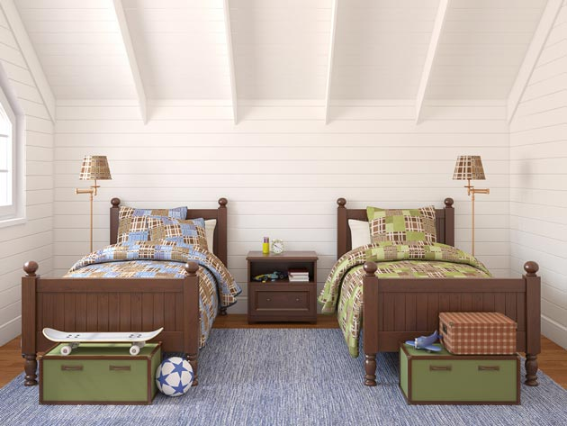 Одинаковые модели спальных мест для двоих детей с разным текстилем