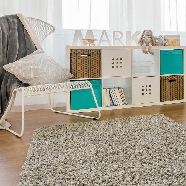Бирюза в сочетании с белой мебелью