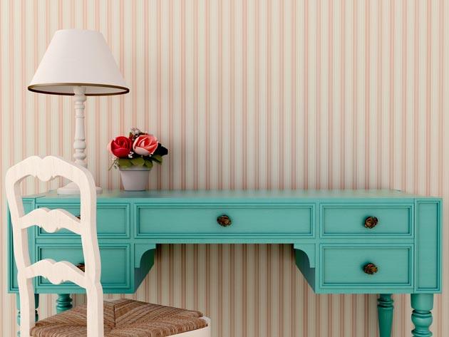 Классический стол в бирюзовом цвете с белым стулом