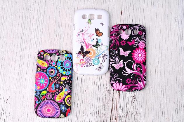 Чехлы на телефон веселой расцветки для девочки