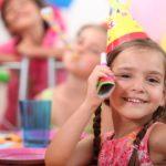 Девочка 11 лет на дне рождения