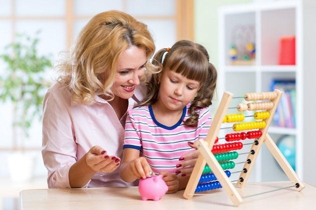 Момент объяснения ребенку ценности денег и как их считать